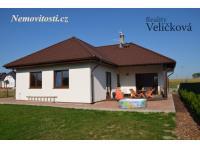 Prodej patrové novostavby - bungalovu typu 5+kk s garáží v Černilově